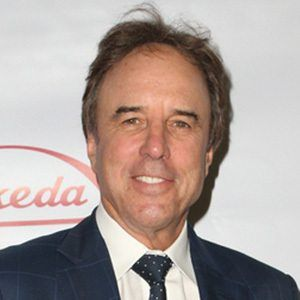 Kevin Nealon 1 of 9