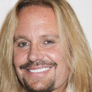 Vince Neil 1 of 9