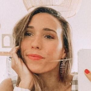 Cristina Neros Headshot