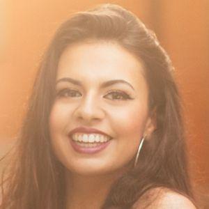 Beatriz Neves 1 of 4