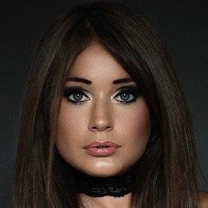 Kezia Noble 1 of 4