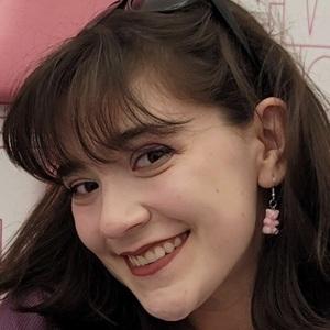 Chloe Noelle 1 of 8