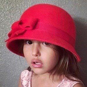 Scarlett Noelle 1 of 5