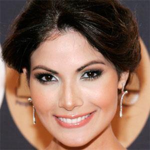 Cynthia Olavarría 1 of 2