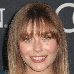 Elizabeth Olsen 1 of 10