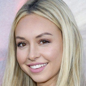 Corinne Olympios 1 of 10
