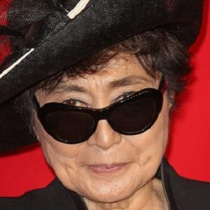 Yoko Ono 1 of 8