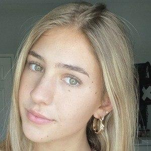 Justine Ouellet 1 of 5