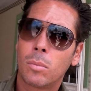 Roberto Palazuelos Headshot