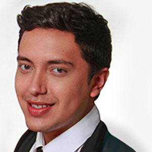 Héctor Palmar Headshot