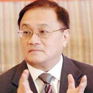 Manuel Pangilinan Headshot