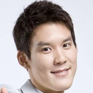 Park Tae-Hwan Headshot