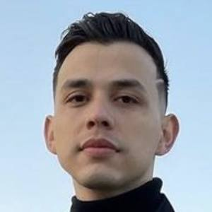 Carlos Parra 1 of 4