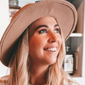 Jessica Parry-Valentine 1 of 5