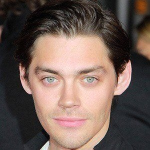 Tom Payne 1 of 9