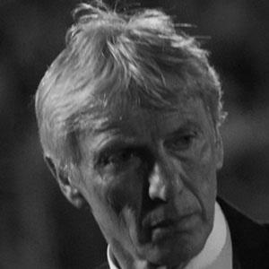 José Néstor Pékerman Headshot