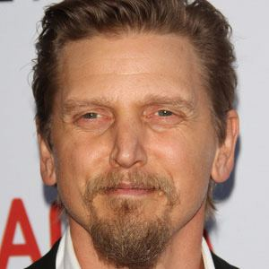 barry pepper eye color