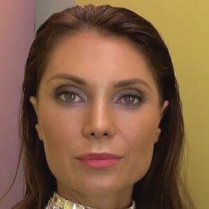 Julia Pereira Headshot