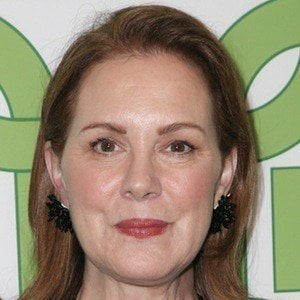 Elizabeth Perkins 1 of 9