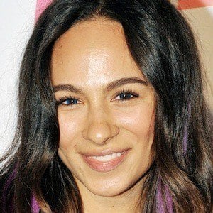 Aurora Perrineau 1 of 3