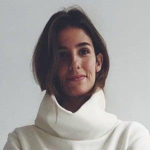 Caroline Perrineau Headshot