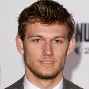 Alex Pettyfer 1 of 10