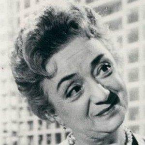 Molly Picon - Bio, Facts, Family   Famous Birthdays