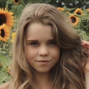 Lea Pietsch 1 of 4