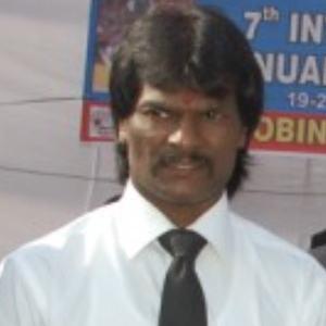 Dhanraj Pillay Headshot