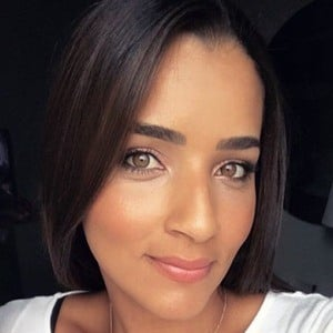Andreina Pinto 1 of 6