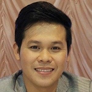 Marcelito Pomoy Headshot
