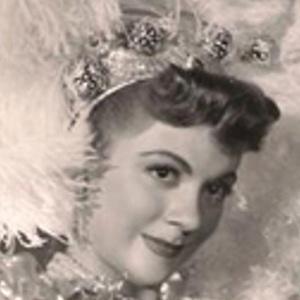 Maria Antonieta Pons Headshot
