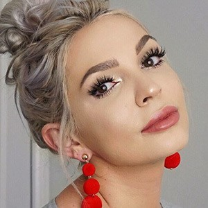 Alexandra Potora 1 of 6