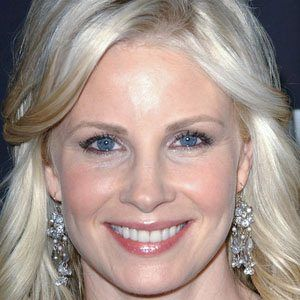 Monica Potter 1 of 9