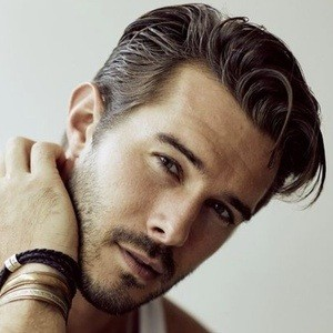 Alex Prange 1 of 6