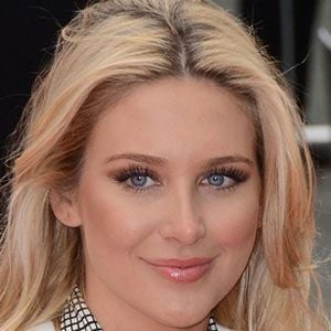 Stephanie Pratt 1 of 10