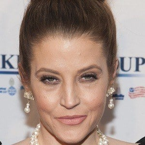Lisa Marie Presley 1 of 9