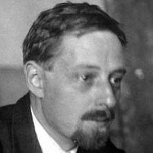 vladimir propp Vladimir yakovlevich propp (владимир яковлевич пропп 1895–1970) was a soviet folklorist and scholar who analyzed the basic plot components of russian folk tales to identify their simplest irreducible narrative elements.