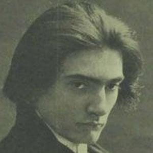 Manuel Quiroga Headshot