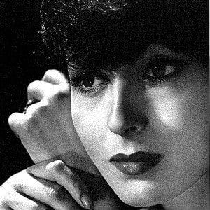 Luise Rainer 1 of 10