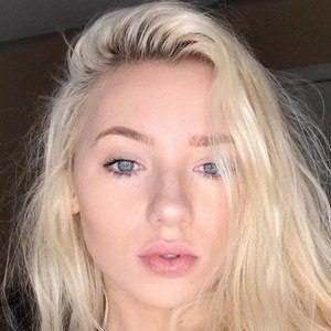 Savannah Rene 1 of 7