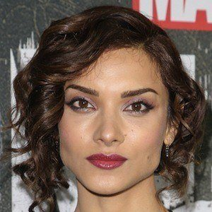 Amber Rose Revah 1 of 2