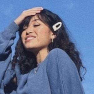 Selena Reycasa 1 of 3
