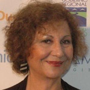 Teresita Reyes Headshot