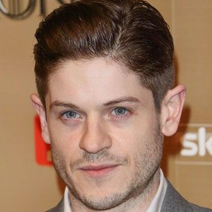 Iwan Rheon 1 of 7