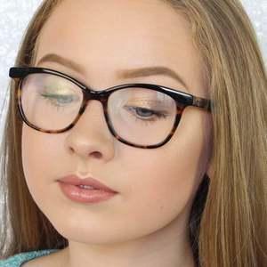 Caitlin Rhosyn 1 of 7