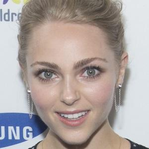 AnnaSophia Robb 1 of 8
