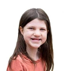 Mia Robertson Headshot