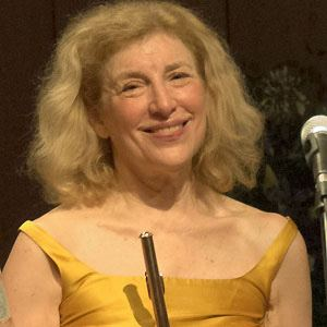 Paula Robison Headshot