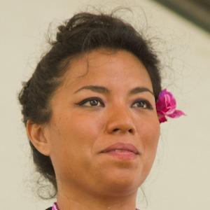 Alejandra Robles Headshot